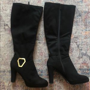 Black Knee-high boots with gold detail